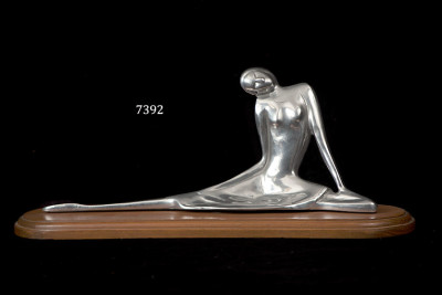 BAILARINA C/BASE DE MADERA / WOMAN, SCULPTURE ON WOOD